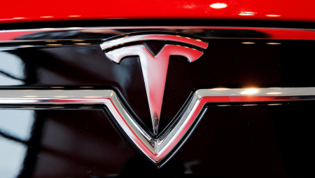 Record-breaking first-quarter deliveries by Tesla. Rise in stock by 7%